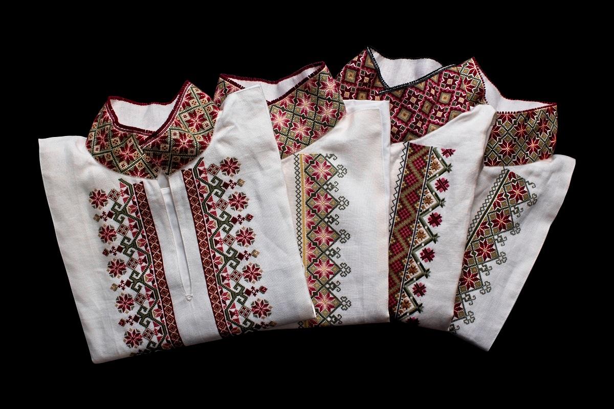 Beltestakkskjorte med korsstingsbroderi #bunadskjo | Mønster